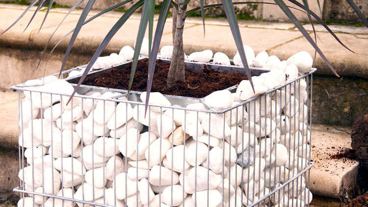 Natural Looking Benches/Walls – Gabion Rocks